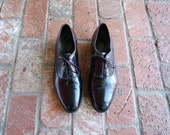Vintage Mens 10 Florsheim Black Patent Leather Dress Shoes Lace Up Oxfords Wedding Shoes Sleek Brogues Round Toe Preppy Hipster Moto Fashion
