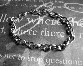2 Charm Bracelets in Silver Tone – BR787-2