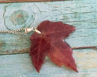 Red  leaf pendant, real leaf jewelry, botanical nature jewelry, nature resin pendant, red leaf,  gift for here