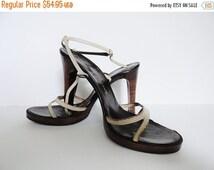 ON SALE Vintage High Heel CHARLES Jordan Shoes 1970s Size 6 Cream Leather Charles Jordan Stilettos Platform Sandals Sandal Sexy Wood Heel Sh