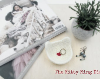 Ring dish / Cat wedding / Cat ears dish / Jewelry bowl / wedding favor / bridesmaid shower gift / cat lovers gift / gift for her