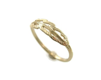Feather ring. 14k Yellow gold feather ring. Feather gold ring. Filigree ring. dainty gold ring. gold ring. gift for her. (gr9444-2082)