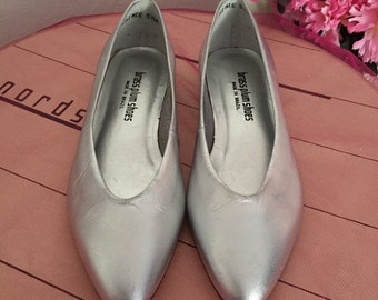Never Worn Pair Of Vintage Nordstrom Metallic Silver Brass Plum Shoes ~ Made In Brazil ~ Size 5 1/2 ~ Soft Leather ~ Pretty And Shiny