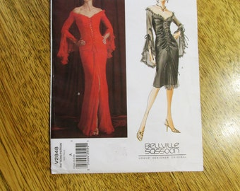 Sexy DESIGNER Bellville Sassoon Ruched & Ruffled Evening Gown (Elvira Costume) - Size (6 - 8 - 10) - UNCUT Sewing Pattern Vogue 2848