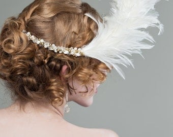 White Feather Bridal Comb - Bridal Headpiece with Freshwater Pearl, vintage glass and Swarovski Crystal - White Headpiece