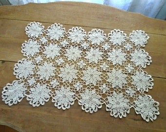 Hand Made Flower Lace Doily / Table Top Doily / Delicate Flower Lace / Collectible Lace / Cotton Lace /  Vintage Lace Doily / Dresser Doily