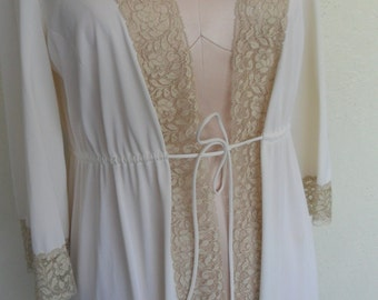 Vanity Fair Robe Ivory Vintage Lace and Nylon Dressing Gown Size 34