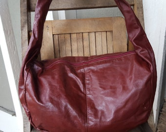 BIG RED    ///   Slouchy Leather Hobo