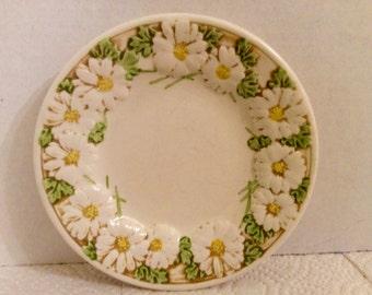 Metlox Poppytrail Sculptered Daisy Bread Plate