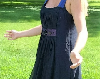Vintage Ladies Navy Blue Silk Dress by Vera Wang Size 10 Only 30 USD