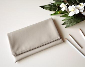 Grey clutch, vegan leather clutch, grey purse,faux leather clutch, leather clutch, grey bag, gifts for her,summer bag,bridesmaid clutch