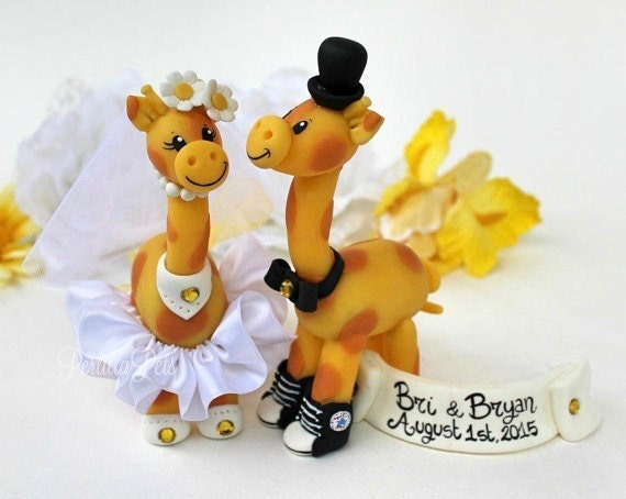 Wedding giraffe cake topper - custom personalized animal cake topper - giraffes in love - safari cake topper - with banner