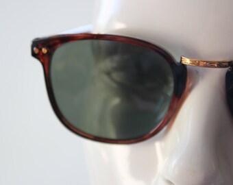 Vintage Classic Wayfarer Sunglasses - Unisex Tortoiseshell gold metal - large adult Unworn vintage