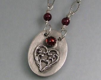Amor Vincit Omnia secret message locket necklace -  love conquers all heart locket necklace - Latin love quote hidden message poesy necklace