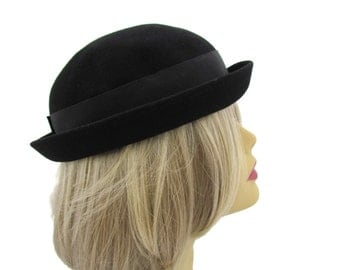 Black Bowler Hat Womens Bowler Hat Vintage 1920s Bowler Hat Black Bowler Hat Derby Hats Womens Hats Wool Hats Black Hats