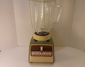 Vintage 1970s Osterizer 780W Blender, Model 541 in Avocado and Cream - Very Clean - Works Great - Vintage Barware