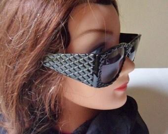 Black Movie Star Sunglasses,  Black Waffled Frame Glamour Glasses