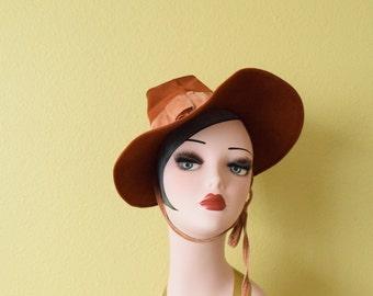 Vintage 1940's Caramel Brown Wool Hat | Novelty Hat
