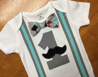 Mustache Birthday Shirt, Boys First Birthday Shirt, Litte Man Mustache Party Shirt, Cake Smash Ouftfit, Baby Boy Bow Tie Shirt