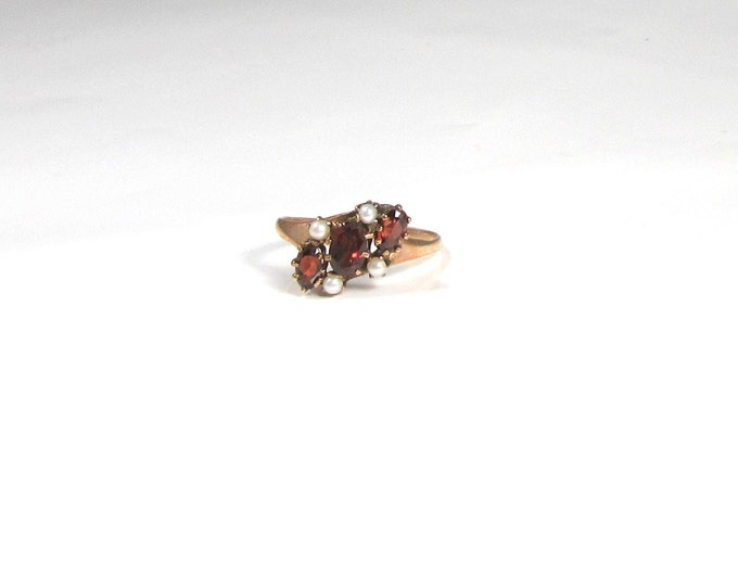 Garnet and Pearl Ring; Victorian Garnet and Pearl Ring; Victorian Ring; Antique Ring; Antique Garnet and Pearl Ring; Antique Garnet Ring