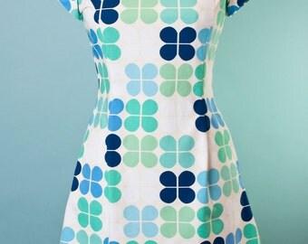 Caroline Mod Shift Dress in Mod Bloom 60's Vintage Shift Scooter Dress