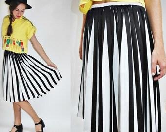 1980s Striped Jailbird Black White Pleated Skirt