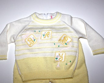 Vintage BABY Outfit - Two Piece - Light Yellow - Knit - 6 to 9 Months
