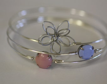 Daisy Silver Bangle Set- Pink Rose Bangle- Purple, Lilac Stone Bangle- Flower Bangle- Bangle- Silver Jewelry- Bridesmaids Gifts-Wire Bangle