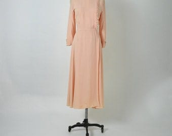 Vintage 1930s 1940s Peach Rayon Dressing Gown Boudoir Robe Lingerie Dress