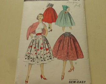 Vintage Advance Pattern 8108 Misses Full Dirndl Skirt with Pockets Waist Size 24 Inches