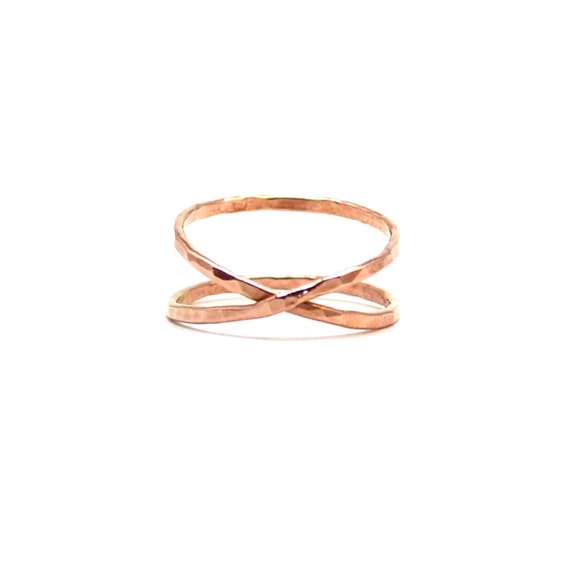 Infinity Ring in Hammered Rose Gold. Criss Cross Ring. Crossover X Ring. Unique Wedding Band.