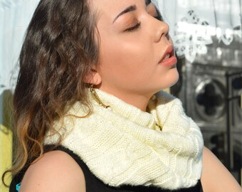 Ivory Cable Knit Cowl Knitted Scarf Warm Winter Scarf Infinity Loop White Winter Scarves Neck Warmer Unisex Men's Scarves Women's Scarves