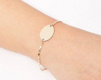 Gold Disc Bracelet, Personalized Oval Layered Bracelet, Nameplate gold filled or Silver Bracelet, Everyday Jewelry, Bridesmaid Gift.