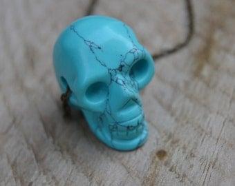 Turquoise skull necklace, boho skull necklace, gemstone skull necklace, turquoise necklace, skull jewelry, turquoise jewelry