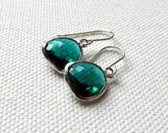 Minimalist Earrings Emerald Green Dangle Earrings Sterling Silver Hooks Bridesmaid Green