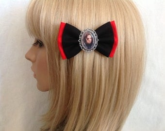 Sebastian Stan Bucky Barnes captain America hair bow clip rockabilly psychobilly kawaii pin up punk geek comic marvel avengers super hero