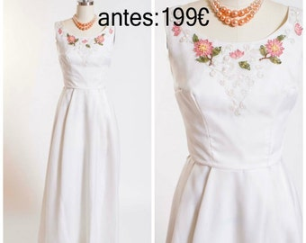 Late 50s Vintage Dress / Full Length Formal White with Floral Applique Bridal / Vintage 1950s Evening Gown Size Small