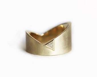Gold Wedding Ring, Trillion Wedding Ring, Modern Wedding Ring, Asymmetrical Wedding Band, Wide Wedding Ring, Unique Wedding Band