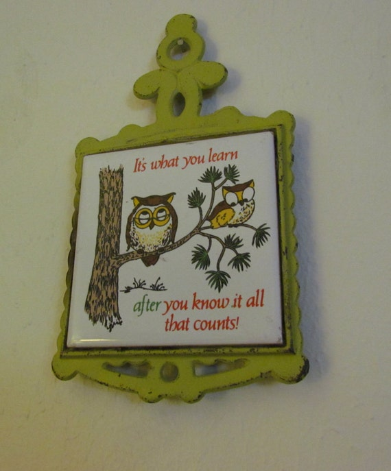1970 39 s kitchen decor owl trivet vintage owl ceramic and Owl kitchen accessories