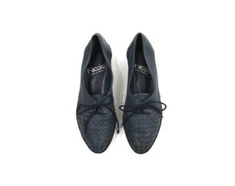 blue leather shoes • woven laced flats • blue lace up shoes  6 1/2