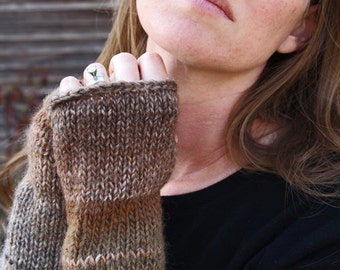 Fingerless Gloves Knitting Pattern - Wrist Warmers Knitting Pattern - a set of INSTRUCTIONS to knit the gloves - BALANCE