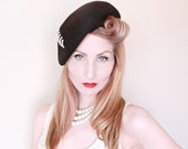1950s Hat / VINTAGE / 50s Hat / Tam / Black / Pearls / Old Hollywood