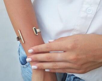 Gold cuff bracelet, Onyx bracelet, Adjustable gold bracelet, Bracelets for women, Dainty open bracelet, Special gifts, Elegant bracelet