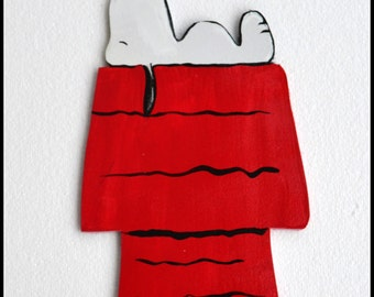 Snoopy Sign, Snoopy Door Hanger, Peanuts, Snoopy, Handmade Wood Sign, Personalization available