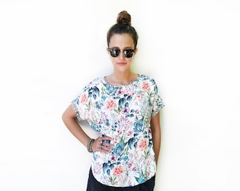 Floral Top, White Blouse, Loose Shirt, Blouse Top, Short Sleeve Blouse, Unique Clothing, Summer Fashion, Loose Floral Summer Top / Size XS