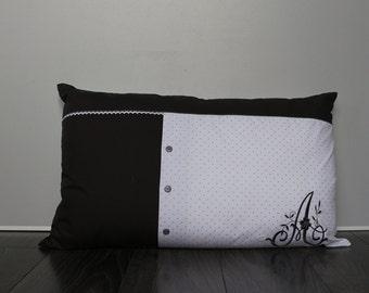 Rectangular cushion on a former air removable