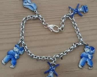 Vintage Dutch enamel charm bracelet