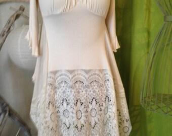 Light beige T40 tunic dress, Cotton spandex and guipure, split sides
