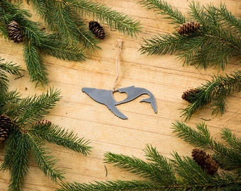 Love Whale Christmas Ornament Rustic Metal Animal Ornament Recycle Steel Holiday Gift Industrial Decor Wedding Favor Iron Maid Art