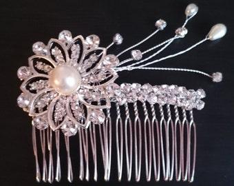 Diamante Flower Hair Comb - Ivory/Diamante   Wedding Accessories   Bridal Head Piece   Flower Girl   Prom   Bridesmaid Hair   Flower Girl